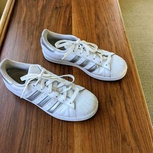 Adidas Superstar sneakers silver stripe size 8